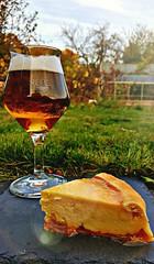 Tarte au fromage et confiture d'abricot (Claire Coopmans) Tags: patisseries tarte pie fromage tarteaufromage patisseriedudimanche abricot confiture belgique belgium bière beer vrrééé