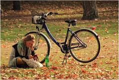 EN EL PARQUE (Jesús García Gauses) Tags: parque jesúsgarcíagauses otoño bicicleta