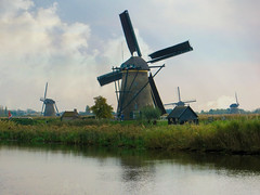 Kinderdijk windmills #14 (jimsawthat) Tags: enhanced village kinderdijk netherlands historic architecture windmills