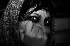 All hallows eve (Arsumigli aka Papi) Tags: ritratto portrait halloween bw bn bianco nero black white dark lowkey arsumigliakapapi nikon d90 afsnikkor50mm118g flash meike speedlite mk910