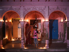 DSC00474 (thomas.pirolt) Tags: india diwali divali dipawali dipavali night art light lights candle fire beauty radhakund radha krishna krsna radharani braj vrindavan