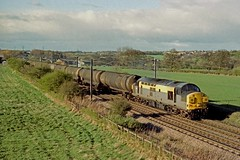 07-04-1999 37069 @ Littleburn (steveporrett) Tags: 07041999 07 april 1999 spring 37069 littleburn 6d43 jarrow oil terminal lindsey humber gb great britain uk united kingdom england railway locomotive train tracks track railroad ecml east coast mainline county durham class 37 growler tractor syphon type 3 english electric