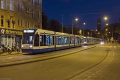 Binnenlopers (Tim Boric) Tags: amsterdam havenstraat tram tramway streetcar strassenbahn combino gvb avond night