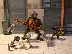 Let's kick shell !! (Mike's Toy Story) Tags: don donatello tmnt ninjaturtles turtles mousers technodrome vintage retrotoys vintagetoys toys toy ninja cartoon teenagemutantninjaturtles