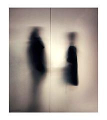 Ghost stories (Aviones Plateados) Tags: ghost stories fantasmes fantasmas historias contes silhouettes glass siluetas mobile cell phonecamera smartphone two dos