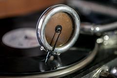 Telefunken Grammophon (Corno3) Tags: 78rpm schellackplatte grammophon bokeh schalldose telefunken gx80 shellac
