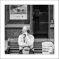Parenthesis #17 (Napafloma-Photographe) Tags: 2018 angleterre architecturebatimentsmonuments bandw bw england festivaldickens grandebretagne greatbritain personnes rochester royaumeuni techniquephoto blackandwhite boutique festival monochrome napaflomaphotographe noiretblanc noiretblancfrance photoderue photographe streetphoto streetphotography