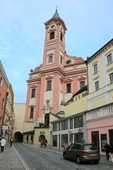 Passau: Katholische Stadtpfarrkirche St. Paul (Helgoland01) Tags: passau niederbayern bayern deutschland germany dom church kirche stadttor barock