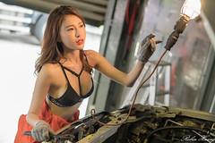 DSC_8485 (Robin Huang 35) Tags: 黃艾比 abbie 修車廠 泳裝 比基尼 bikini 修車服 人像 portrait lady girl nikon d850 車 car