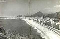 Praia de Copacabana - RJ (Arquivo Nacional do Brasil) Tags: copacabana praia copacabanabeach riodejaneiro anos1970 arquivo arquivonacional