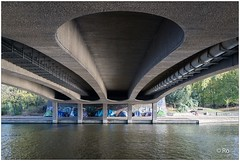 Under The Bridge (RRRobbie) Tags: alster obdachlos hamburg