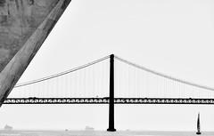 Lissabon Ponte 25 de Abril bw (rainerneumann831) Tags: bw blackwhite ©rainerneumann urban monochrome city blackandwhite lisboa lissabon ponte25deabril brücke