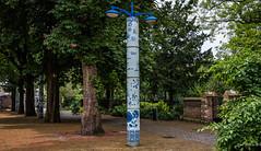 2018 - Delft - Delft Blue (Ted's photos - For Me & You) Tags: 2018 cropped delft nikon nikond750 nikonfx tedmcgrath tedsphotos delftblue streetscene streetlamp streetlight vignetting