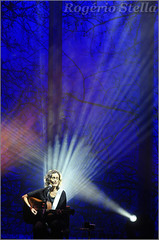 Zélia Duncan (Rogério Stella) Tags: rogerio stella music show gig concert venue live band bands instrument instruments song stage photography photo documentation photographer documentarist portraits portraiture performance cor color colour música palco fotografia retrato nikon apresentação banda fotojornalismo documentação idol ídolo tour zélia duncan lado bom da solidão sing singer canto cantora vocal unplugged acústico acoustic guitar violão mpb nacional 2018