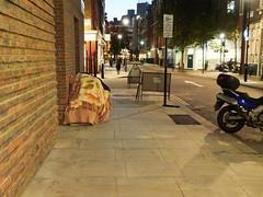 Fitzroy Place, Riding House Street. 20181102T17-08-20Z (fitzrovialitter) Tags: england fitzrovia gbr geo:lat=5151937000 geo:lon=013915000 geotagged unitedkingdom westendward peterfoster fitzrovialitter city camden westminster streets urban street environment london streetphotography documentary authenticstreet reportage photojournalism editorial daybyday journal diary captureone olympusem1markii mzuiko 1240mmpro microfourthirds mft m43 μ43 μft ultragpslogger geosetter exiftool rubbish litter dumping flytipping trash garbage