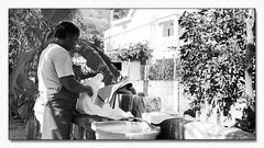 Au coeur du foyer rodriguais (Dankerkreol) Tags: 2018 femme laver lavoir lessive linge rodrigues culture france