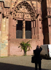Photographing the Dom (peter.a.klein (Boulanger-Croissant)) Tags: cathedral dom leica leitz wetzlar germany man camera photographing