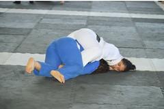 Bjj Girls (BLLLCCC) Tags: feminino female chulé sport deporte esporte martialarts kimono gi tatame mat baresoles solas soles descalça pés feet barefeet barefoot technique teens girls pressão pressure luta fight jiujitsu bjj