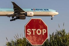 Boeing 777-3B6ER HL7782 Korean Air (msd_aviation) Tags: boeing b777 777 b77w b773 b777300er korean air lebl bcn barcelona el prat airport aviation pics aviation4u landing sunset planespotting spotting spotters