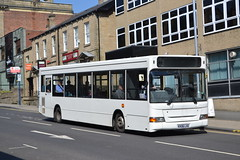 Globe Holidays KX06LXG (Will Swain) Tags: barnsley 19th may 2018 yorkshire north east bus buses transport travel uk britain vehicle vehicles county country england english globe holidays kx06lxg dennis dart former purple parking