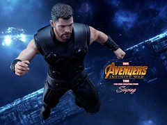 A3Thor_004 (siuping1018) Tags: hottoys marvel disney avengers actionfigures photography onesixthscale siuping infinitywar thor canon 5dmarkii 50mm