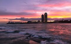 Sunset Skyline BCN (bienve958) Tags: litoralbcn puestasol largaexposicion bcn sunset landscape cityscape skyline paisaje portolimpic atardecer bogatell playa beach sky clouds