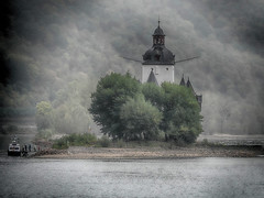 Island of silence (Zoom58.9) Tags: island silence green chapel water river rhine landscape nature sony