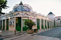 azulejos @ Mercado Municipal de Vila Franca de Xira (Gail at Large | Image Legacy) Tags: 2018 portugal vilafrancadexira gailatlargecom roadtrip