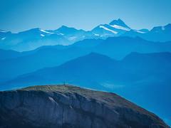 Blue Mountains (bayernphoto) Tags: rofan gebirge achensee mountains alpen alps oesterreich austria see lake maurach pertisau streichkopf hochiss seekarlspitze rosskopf rofanspitze gschoellkopf adler alpenhauptkamm silhouette berg berge gletscher erfurter huette wandern bergsteigen klettern climbing hike trail wanderweg grossglockner grossvenediger silhouettes silhouetten scherenschnitt layers ebenen