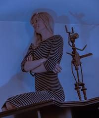 Пулемьётос-марсианин с земной девушкой (raymond_zoller) Tags: canon eisen lightroom marina marsmensch metall pulemyotos alien iron марина бред железо марсианин canonef70200mmf28lusm 70200f28l