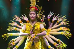 DAG_8682r (crobart) Tags: thousand hand bodhisattva eyes yate dance acrobatic team chinese china canadian national exhibition cne 2018 toronto
