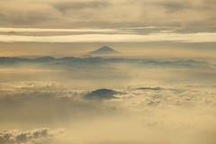 Flying (Teruhide Tomori) Tags: morning landscape mountain nature japan japon sky plane nagano clouds 長野 風景 日本 日本アルプス 中央アルプス 北アルプス 上空 雲 信州 mtfuji 富士山