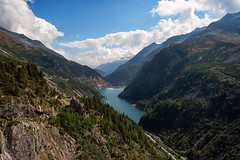 into the valley (blatnik_michael) Tags: tal kölnbreinsperre kärnten see landscape landschaft fuji austria autumn mountain