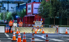 open world howard street closure (pbo31) Tags: sanfrancisco california city urban october fall 2018 boury pbo31 color night dark soma oracle openworld convention red moscone center sign howard closed detour guards security people stop street motion blur deloitte