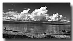Bords du lac Léman, plage de Corzent (Louis Tosser) Tags: france savoie htesavoie thonon lac eau gallets plage nuages orage jura suisse