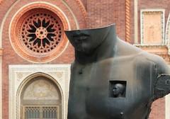 2018-09-22_12-20-49 (B Plessi) Tags: milano italia streetview chiesa santa maria del carmine igor mitoraj statue scultura