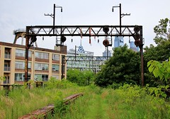 Secret Pathways (BravoDelta1999) Tags: reading company rdg railroad conrail cr railway septa philadelphia pennsylvania terminal ninthstreetbranch rail park ghead signal electric substation catenary callowhill junction
