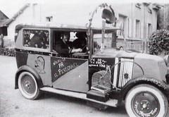 Vieille Renault des années 1920, sortit chaque année pour la Saint-Louis dans les années 1950