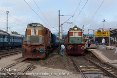 180924_03 (The Alco Safaris) Tags: alco dlw wdm3a dl560 rsd29 indian railways broad gauge 16399r ldh ludhiana 11058 amritsar mumbai pathankot express train