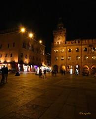 Bologna - Piazza Grande (hmeyvalian) Tags: bologna emiliaromagna palazzodaccursio palazzocomunale mairie townhall piazzamaggiore italy italie italia