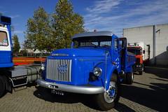 VOLVO N 86 Turbo Diesel met kenteken BE-64-76 Lewiszong Transport tijdens de  Dag van Historisch Transport in Druten 14-10-2018 (marcelwijers) Tags: volvo n 86 turbo diesel met kenteken be6476lewiszong transport tijdens de dag van historisch druten 14102018 trucks truck lkw camion vrachtauto vrachtwagen nederland niederlande netherlands pays bas be6476 lewiszong