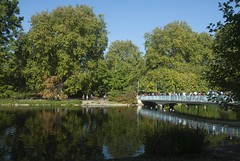 Abridged (dwimagesolutions) Tags: england london stjamespark reflections autumn indiansummer nikond200 zoomnikkor1870mmf3545