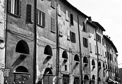 Via Degli Asini, Brisighella (@WineAlchemy1) Tags: hiddenroad viadegliasini brisighella emiliaromagna italy medieval donkey'sroad chalk houses