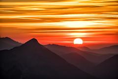 Sonnenuntergang am Säuling (stefangruber82) Tags: alpen alps tirol tyrol sunset red rot orange sonnenuntergang sunray sonnenstrahlen