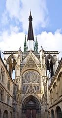 Beeindruckend / Impressive # 1 (schreibtnix on 'n off) Tags: reisen travelling frankreich france normandie stadt town rouen kathedrale cathedral fenster window gotik gothicstyle turm tower beeindruckend impressive olympuse5 schreibtnix