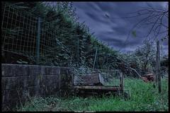 La remorque oubliée (Fotomaniak 53) Tags: remorque oubliée jardin rurex 33 aquitaine fotomaniak53 canon 550d