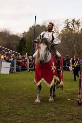 Knights of Mayhem, PM show (Pahz) Tags: joust jousting knightsofmayhem kom charlieandrews horse lance shield armor armour squire knight jouster agatheringofroguesruffians circusworld baraboowi grr2018 pattysmithgrr nikond7200 tamron16300 renaissancefairephotographer renfaire renfest renaissancefaire cosplay garb costuming