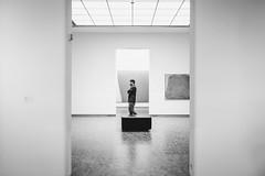 art critic (Zesk MF) Tags: bw black white art zesk cologne musuem people urban schwarz weiss fuji x100f
