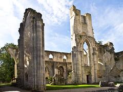 Die Kathedrale / The Cathedral # 6 (schreibtnix on 'n off) Tags: reisen travelling frankreich france normandie jumièges ruine ruin kathedrale cathedral olympuse5 schreibtnix