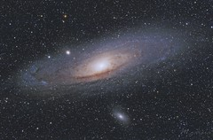 Galaxia de Andrómeda (M31) (M110) (M32) (Miguel Garcia.) Tags: galaxia andromeda skywatcher ed80 canon 450d montura eq6r colores space messier31 ngc224 m110 m32 m31 astrofotografia astronomía colors galaxy